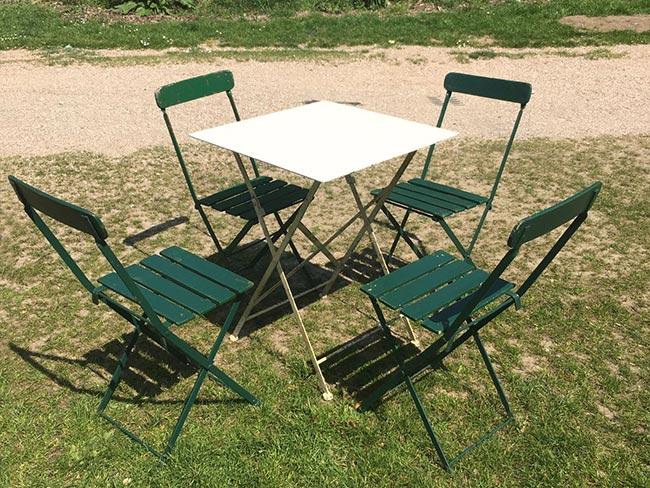Terras huren - Klapstoeltjes met tafel - groen