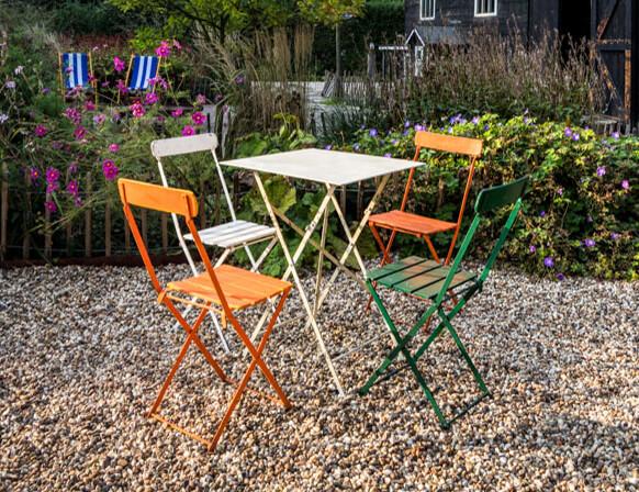 Terras huren - Klapstoeltjes met tafel - wit/groen/oranje
